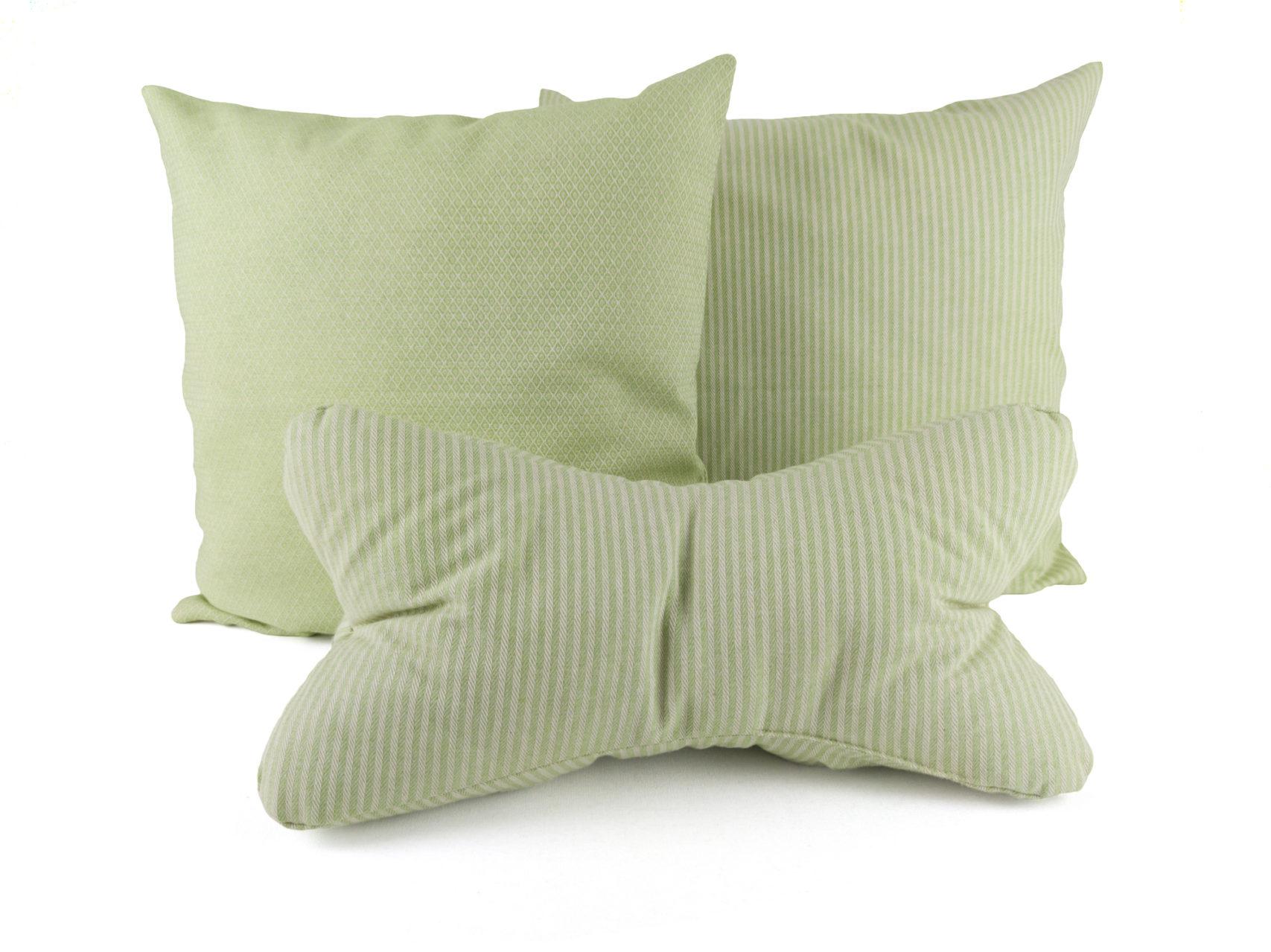 Kissen-Set-A-zwei-Kissen-Streifen-Rauten-Leseknochen-Streifen-hellgrün