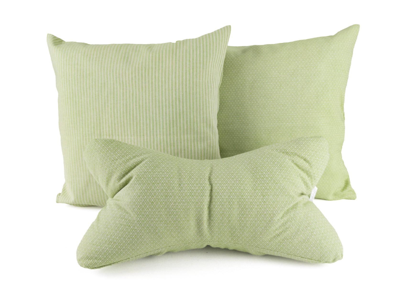 Kissen-Set-B-zwei-Kissen-Streifen-Rauten-Leseknochen-Rauten-hellgrün