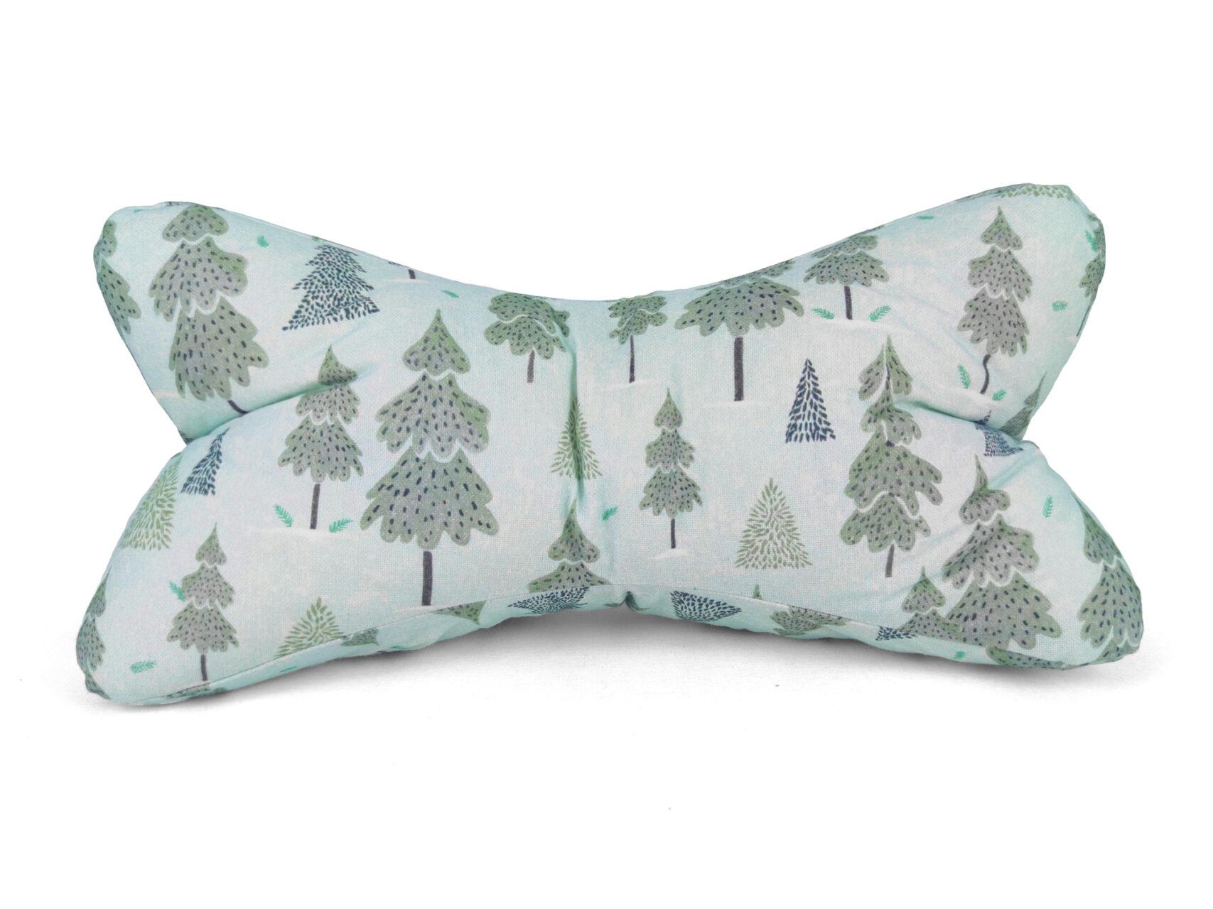 Leseknochen-Winterwald-hellblau-Tannenbäume